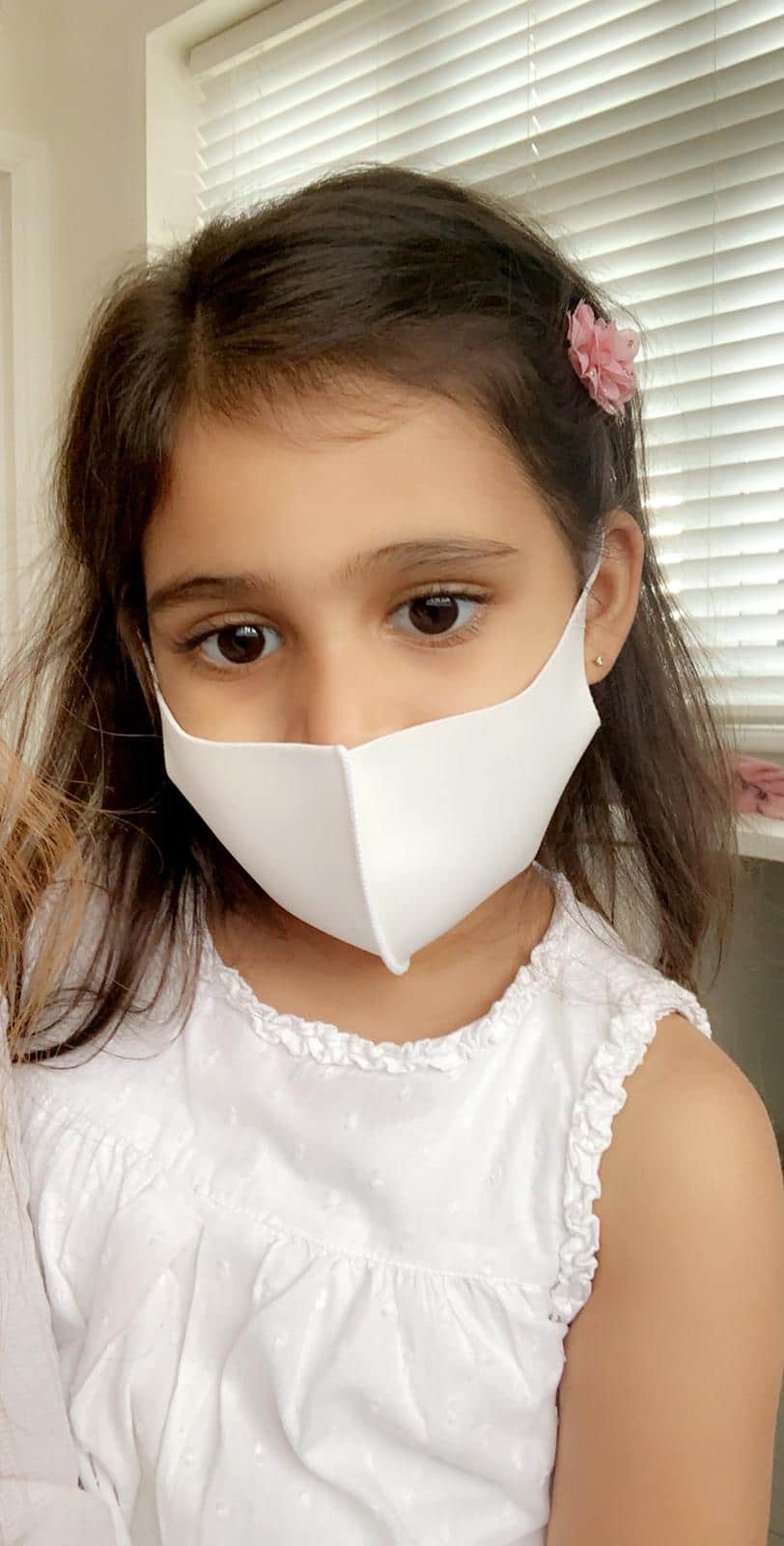 Kids mask white