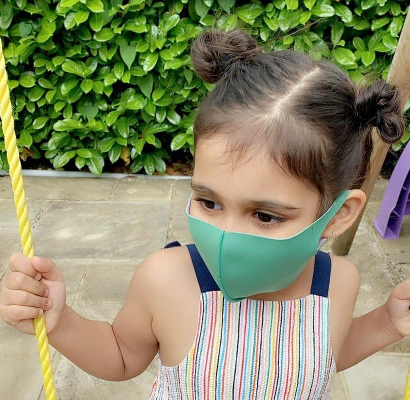 Kids mask green